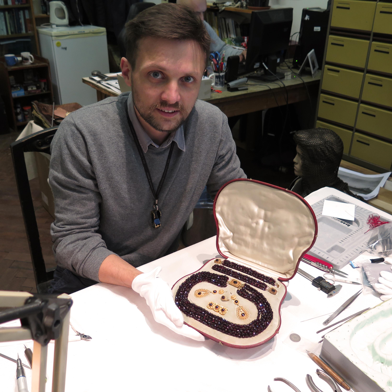 Restaurování šperků baronky Ulriky von Levetzow